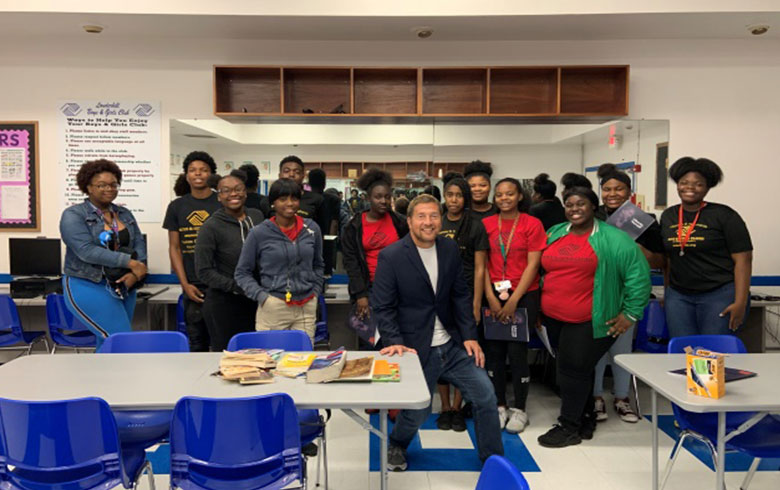 Group shot of Mike Lowe and teens in attendance