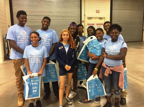 Boys & Girls Clubs Teens Explore College Fair